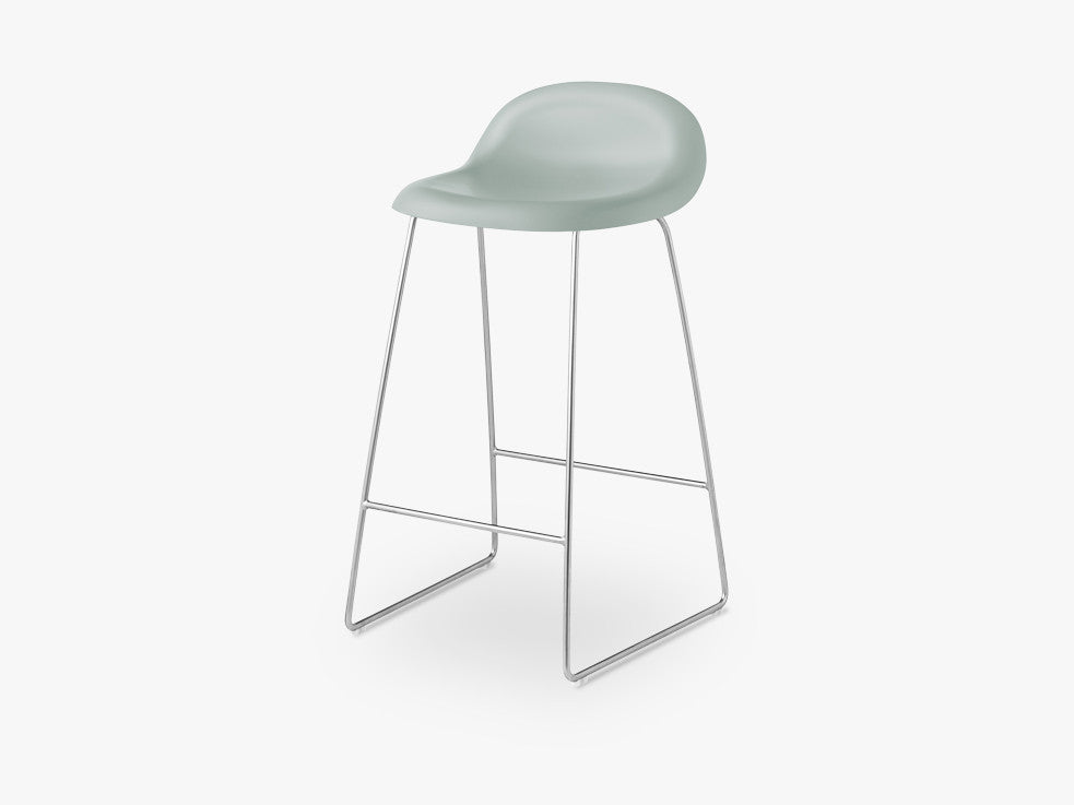 3D Counter Stool - Un-upholstered - 65 cm Sledge Crome base, Nightfall Blue shell fra GUBI