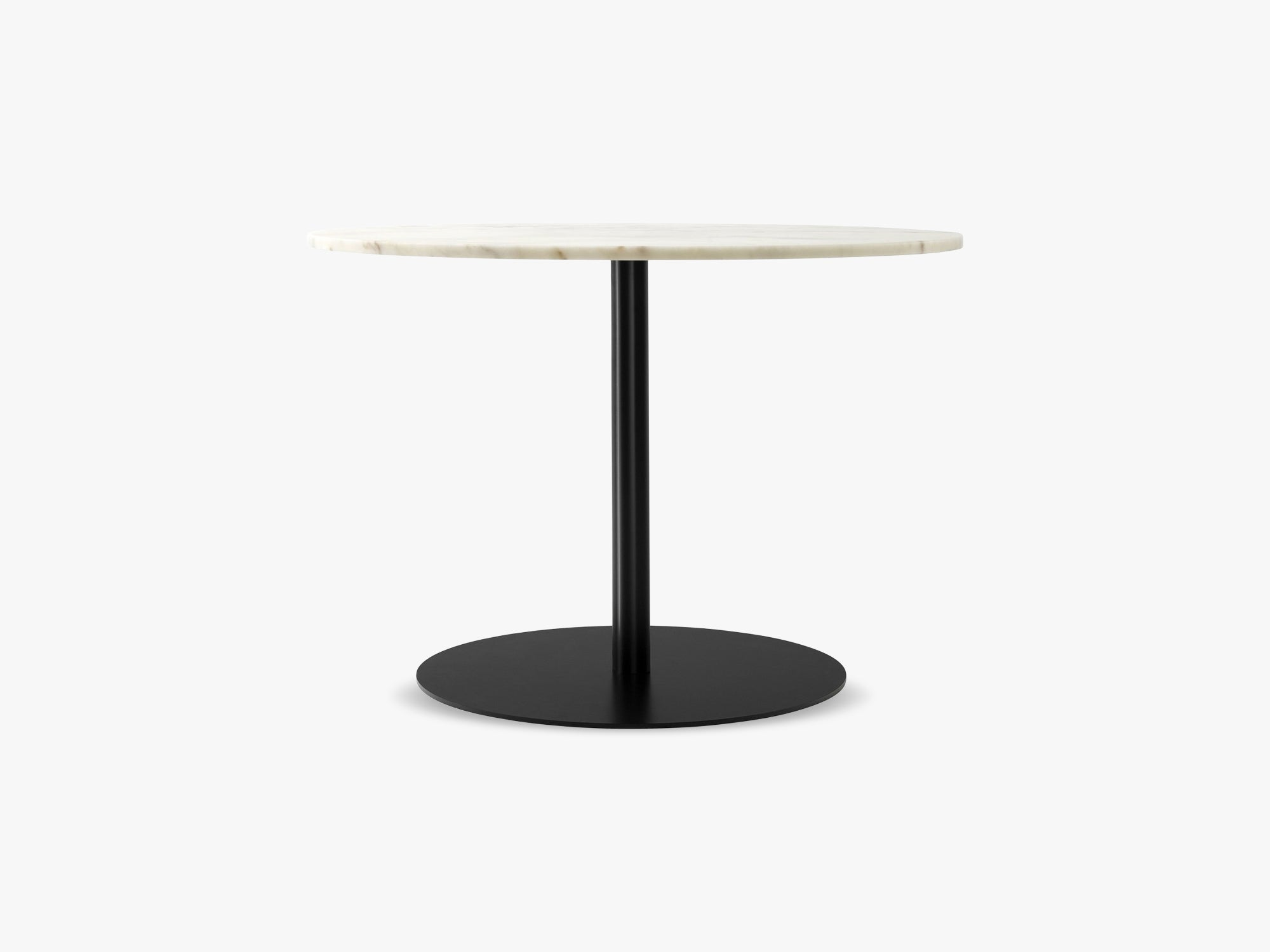 Harbour Column Dining Table Ø105 - Off White Marble Tabletop with Black base fra Menu