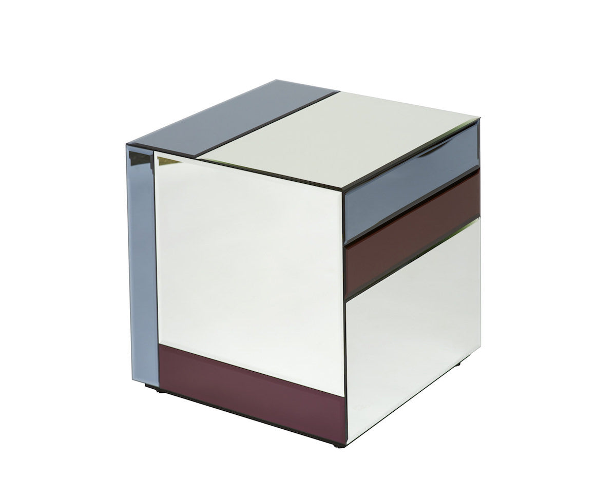 Nouveau Table, Small, Silver/Burgundy/Midnight fra Reflections Copenhagen