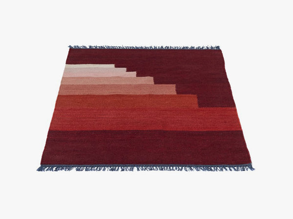 Another Rug - AP4, Red Vulcano fra &tradition