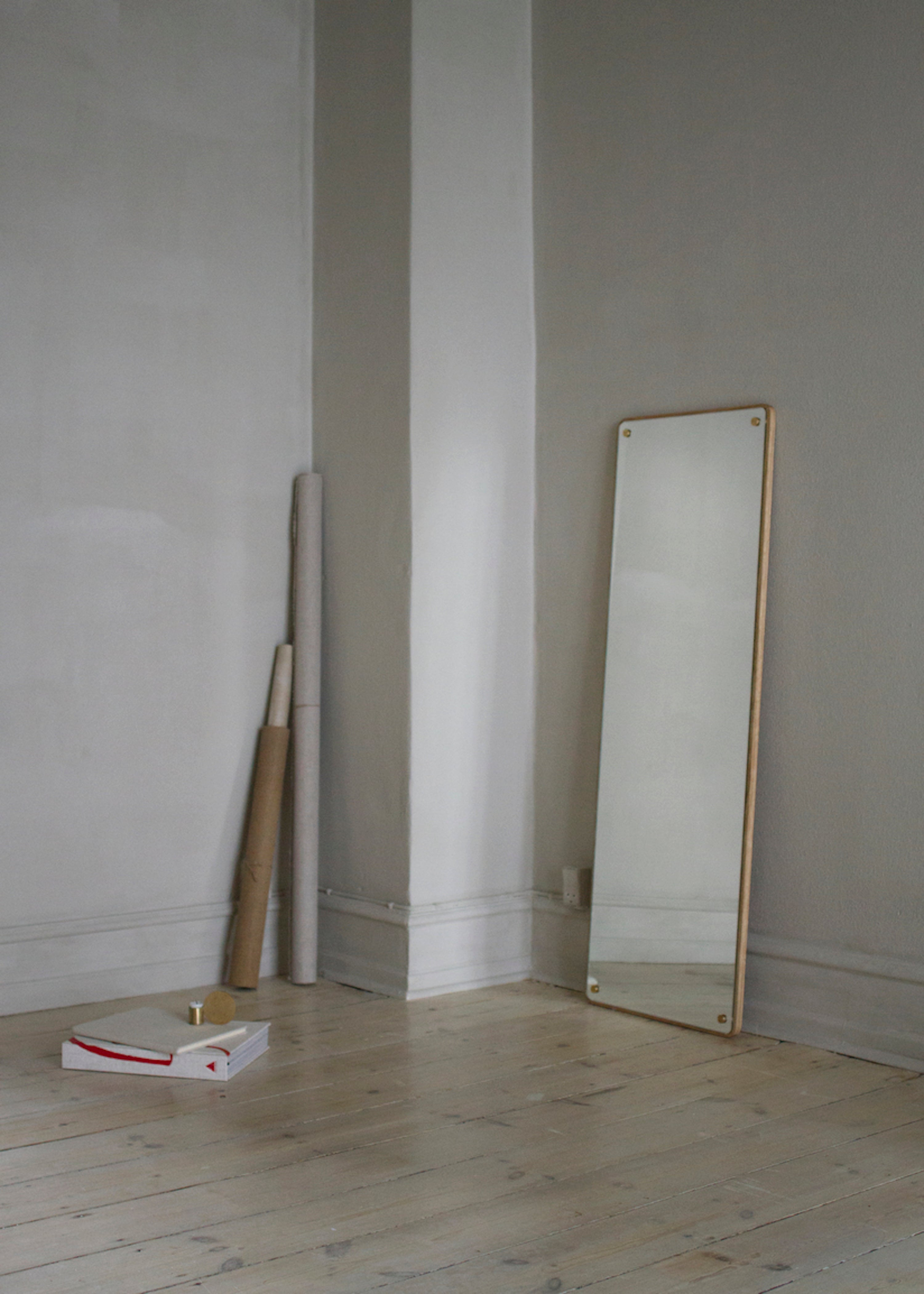 RM-1 Rectangular Mirror, Large fra FRAMA