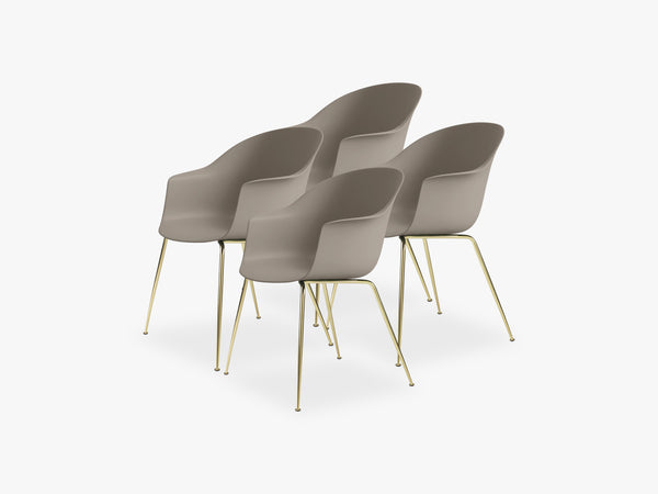 Bat Dining Chair 4 pcs - Conic Brass Semi Matt Base, New Beige fra GUBI
