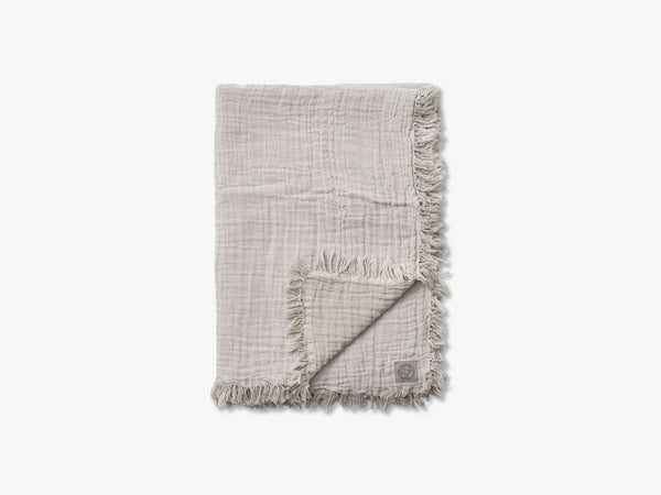 Collect Throw SC33, Cloud/Milk fra &tradition