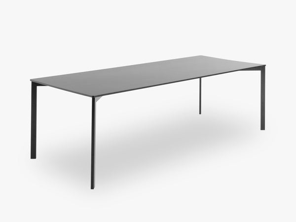 Y! Dining Table Laminate, Black top fra GUBI