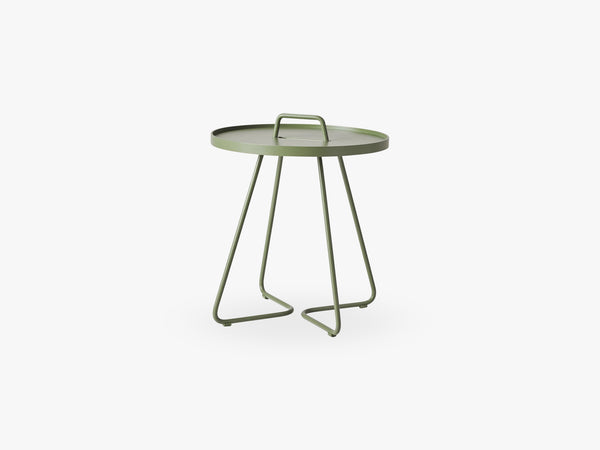 On-The-Move Sidebord Lille, Olive Green fra Cane-Line