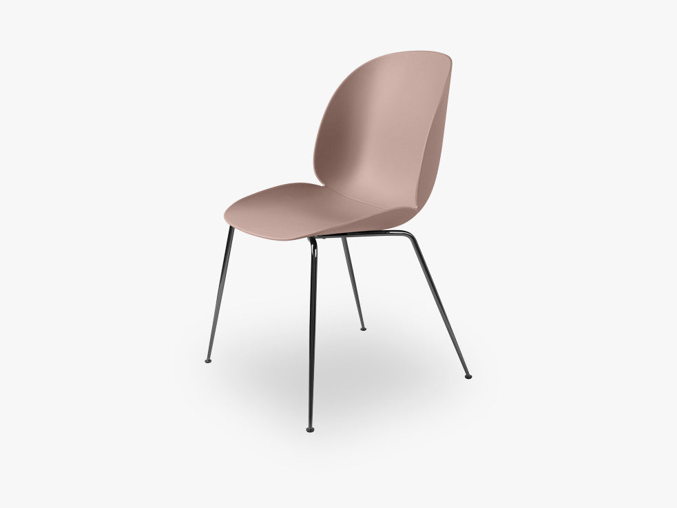 Beetle Dining Chair - Un-upholstered Conic Black Chrome base, Sweet Pink shell fra GUBI