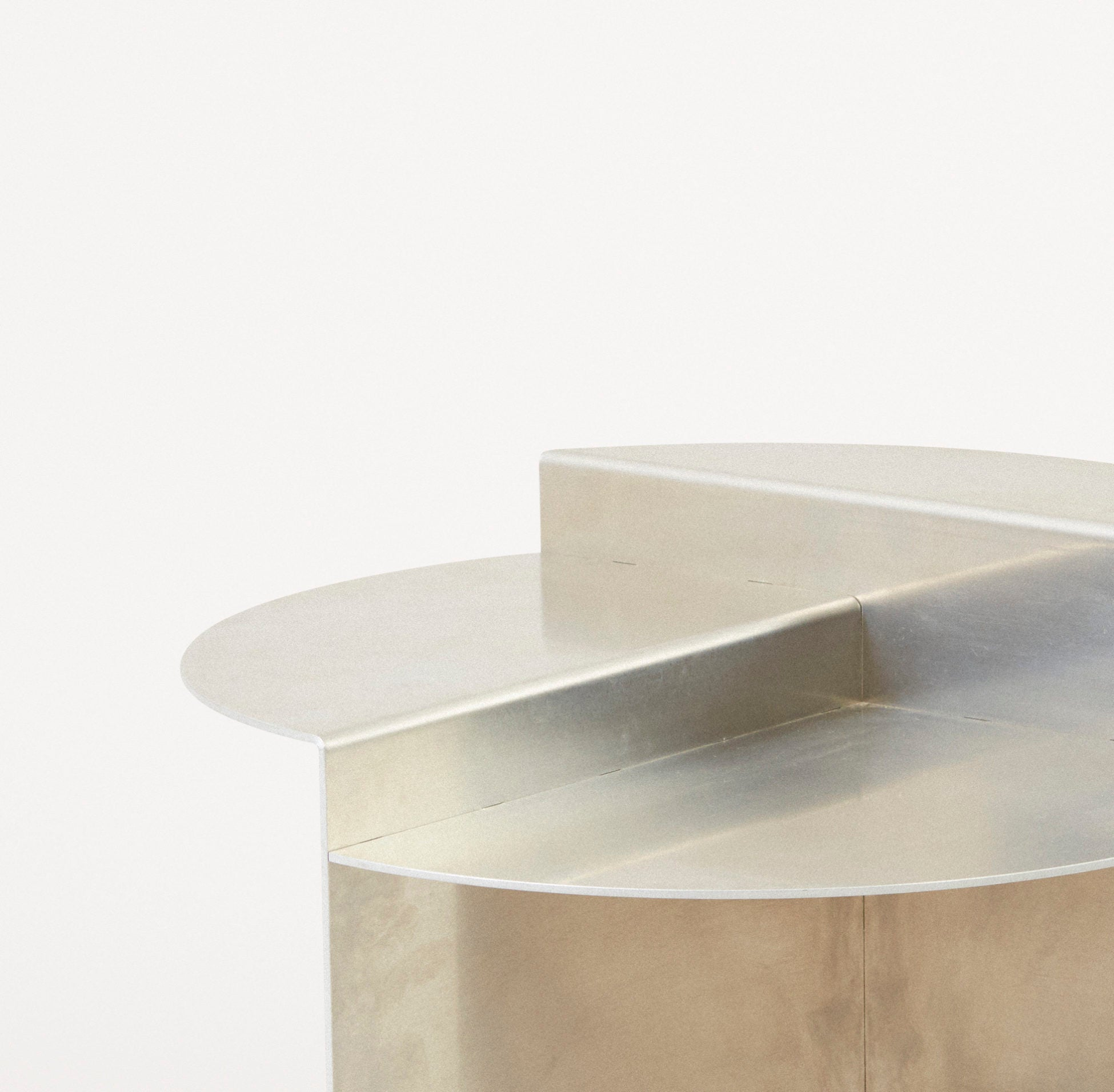 Rivet Side Table, Untreated Aluminium fra FRAMA