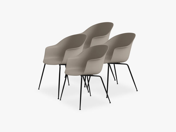 Bat Dining Chair 4 pcs - Conic Black Matt Base, New Beige fra GUBI