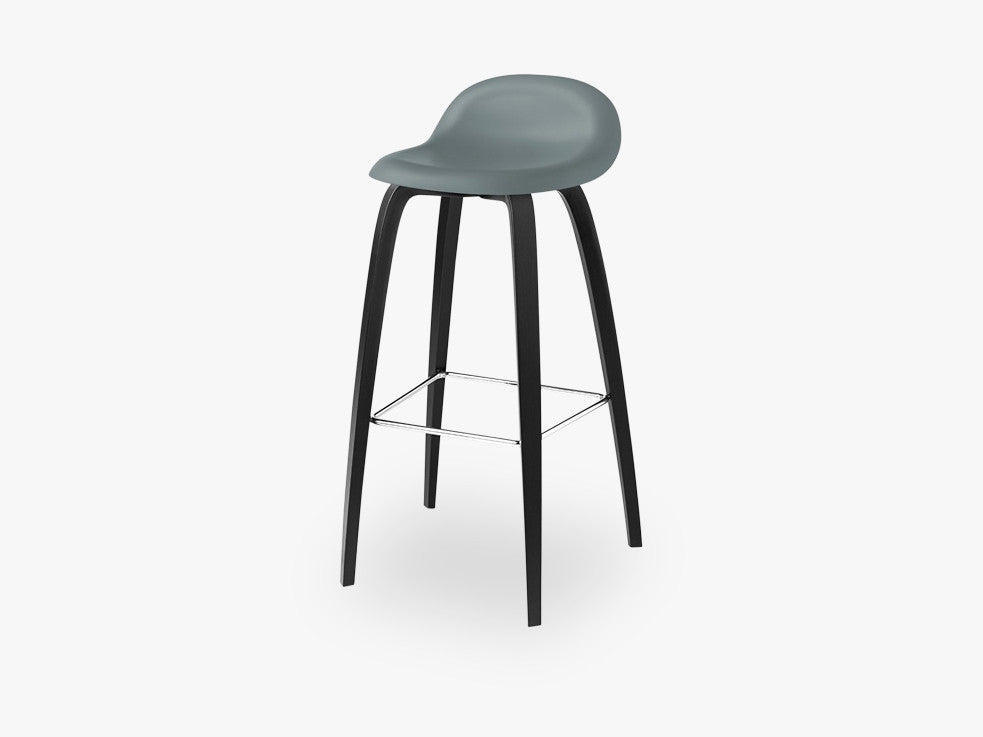 3D Bar Stool - Un-upholstered - 75 cm Black Stained Beech base, Rainy Grey shell fra GUBI