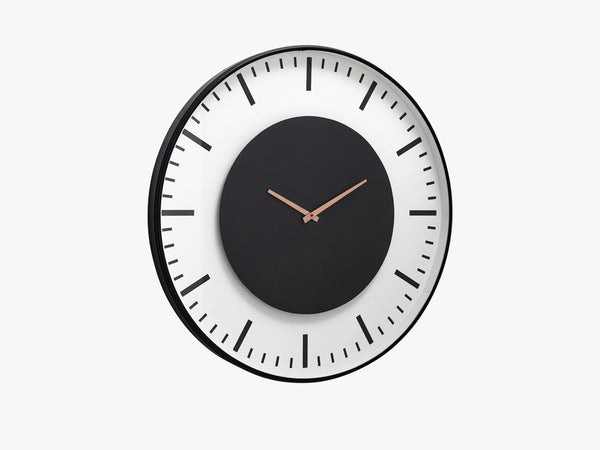 Wall clock, train station, black circle fra Nordal