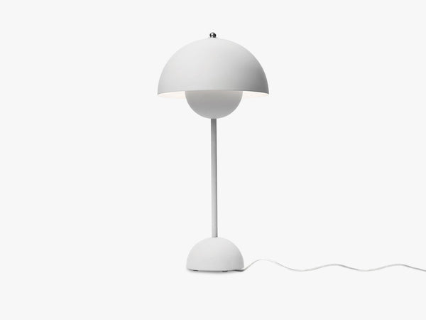Flowerpot Table Lamp - VP3, Matt Light Grey fra &tradition
