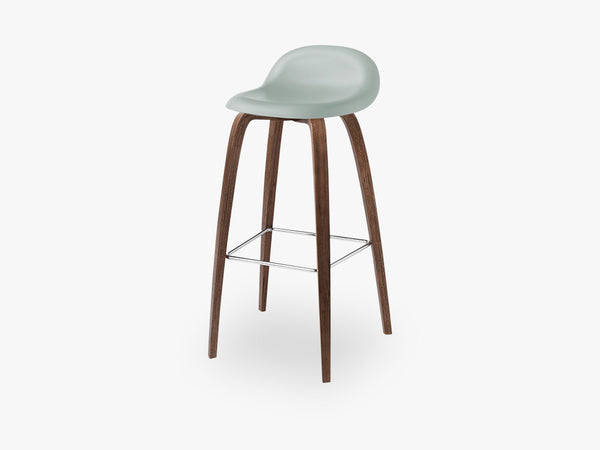 3D Bar Stool - Un-upholstered - 75 cm American Walnut base, Nightfall Blue shell fra GUBI