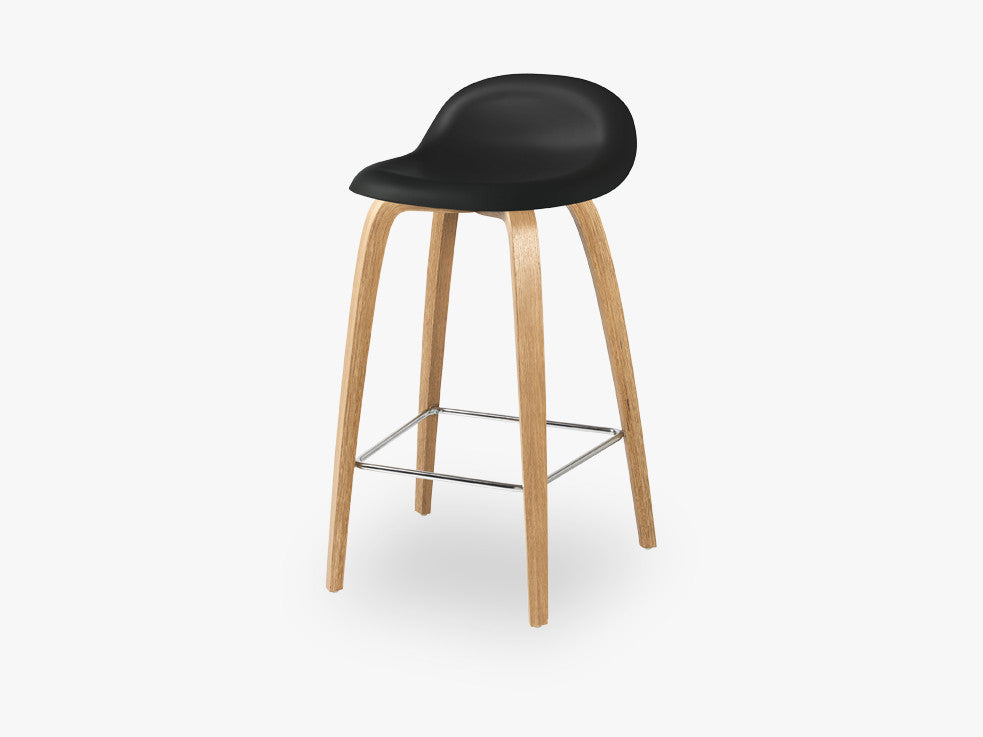 3D Counter Stool - Un-upholstered - 65 cm Oak base, Midnight Black shell fra GUBI