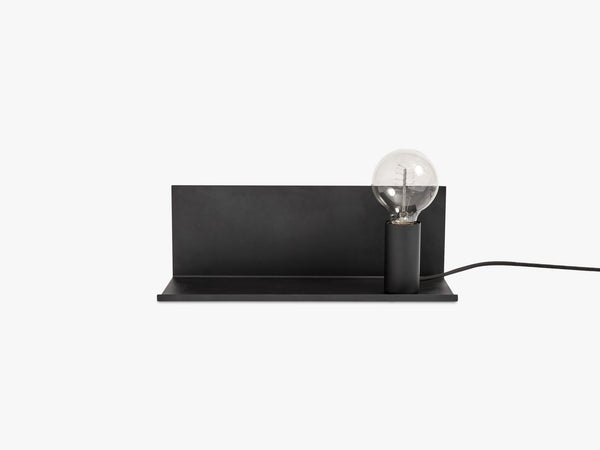 Lampe Flash m hylde, Sort fra Muubs