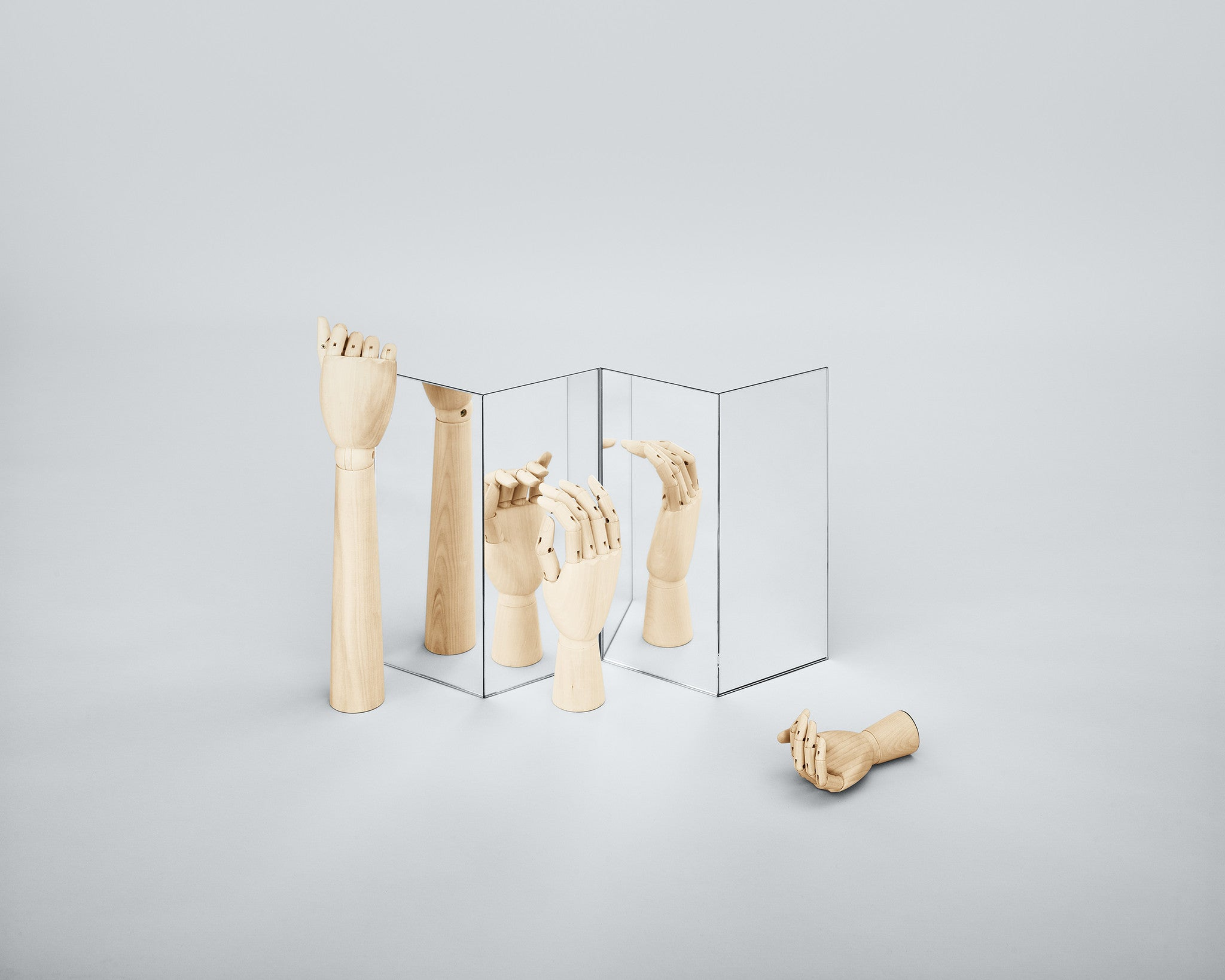 Wooden Hand, Medium fra HAY