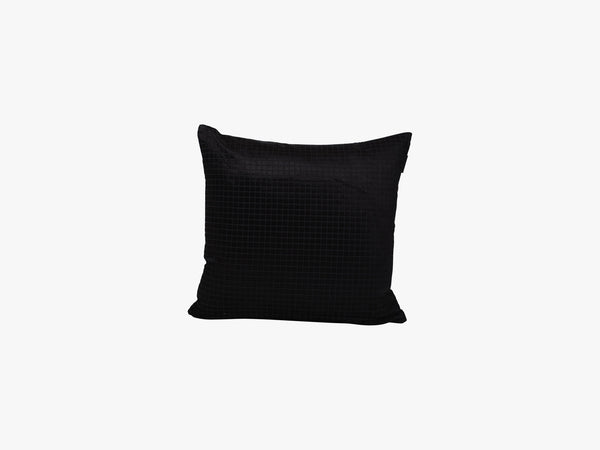 Black Square Pillow, Black fra Specktrum