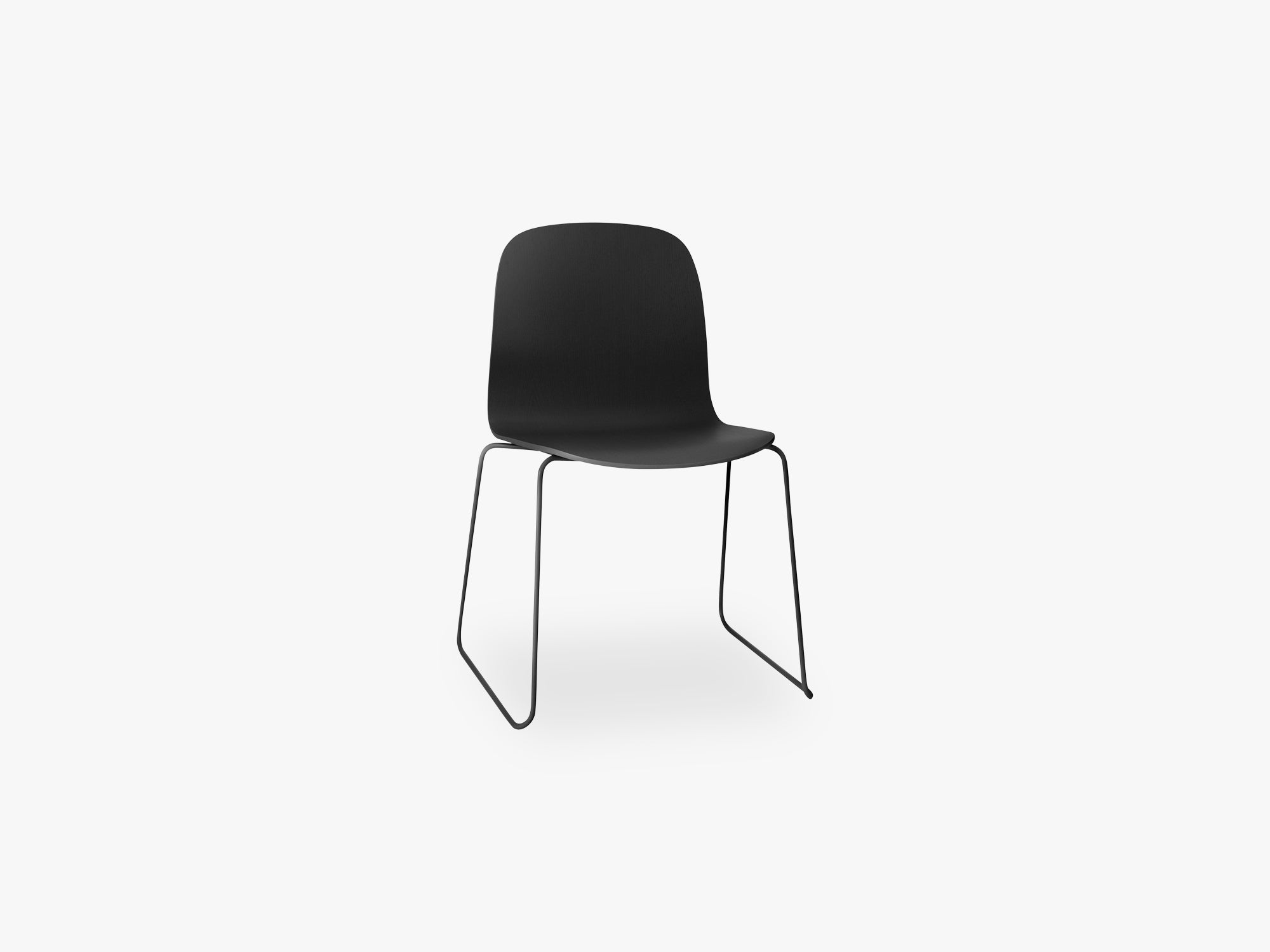Visu Chair - Sled Base - Wood Shell, Black fra Muuto