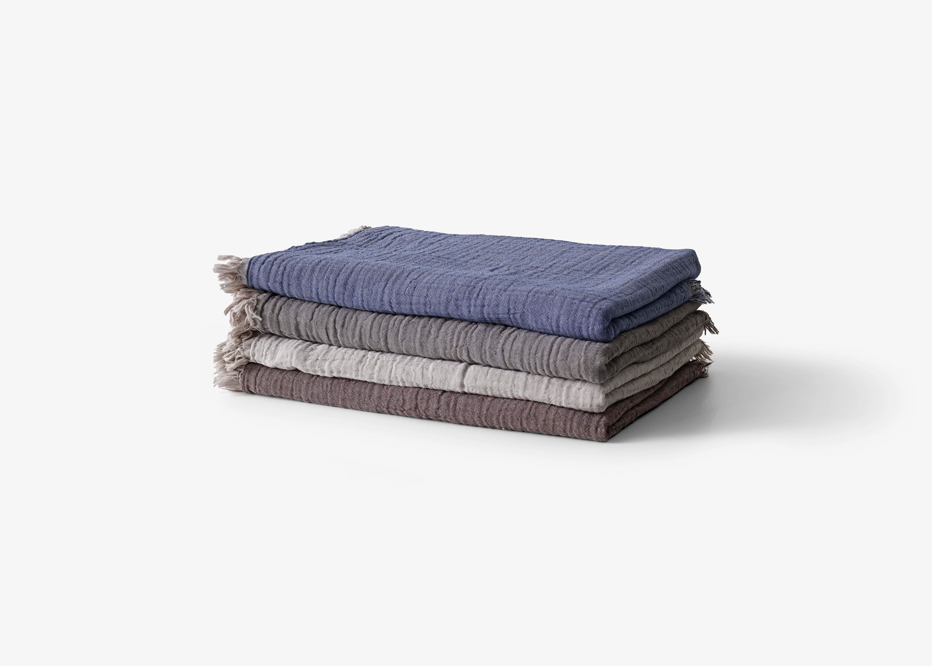 Collect Throw SC32, Cloud/Milk fra &tradition