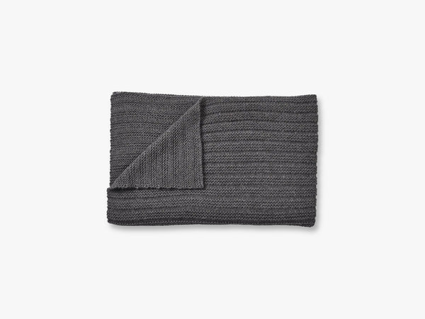 Ample Throw, Dark Grey fra Muuto