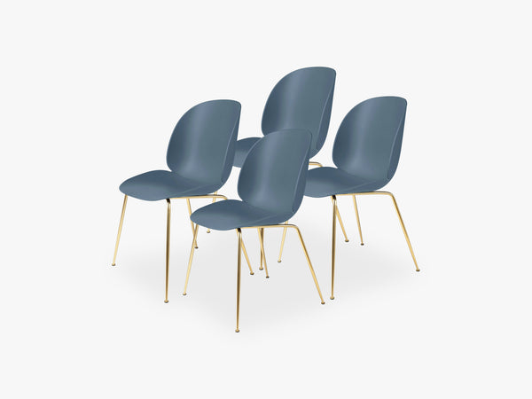 Beetle Dining Chair 4 pcs - Conic Brass Semi Matt Base, Smoke Blue fra GUBI