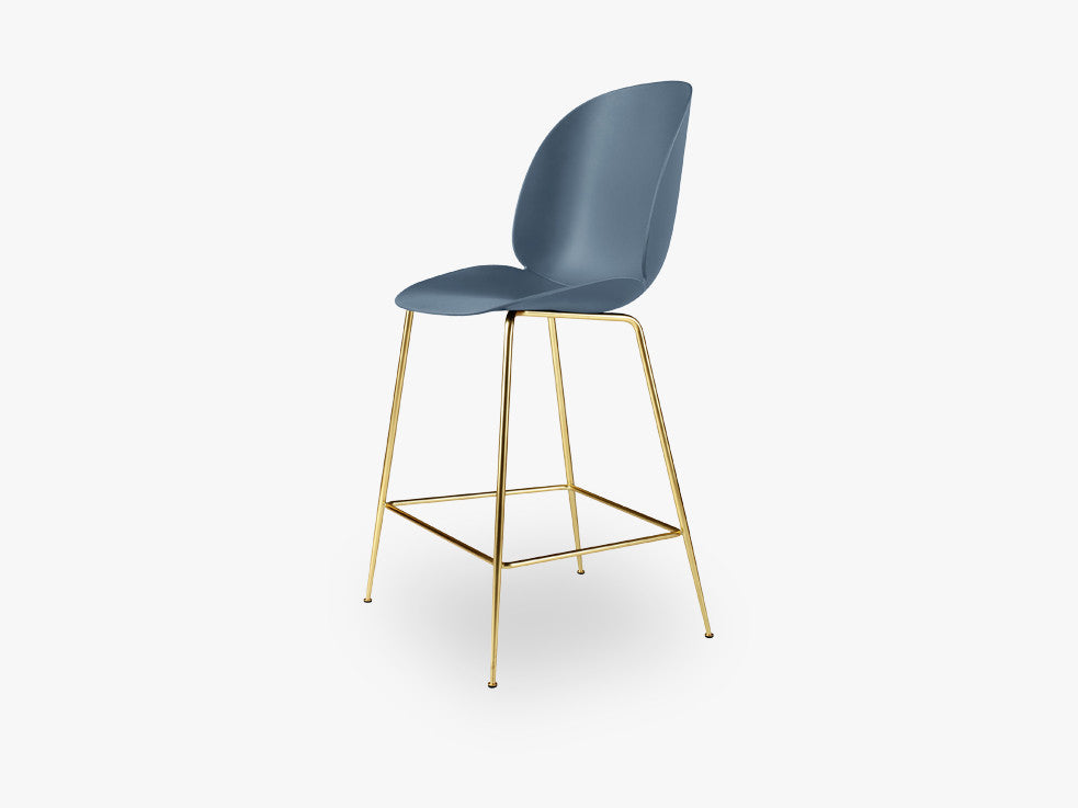 Beetle Counter Chair - Un-upholstered - 64 cm Conic Brass base, Blue Grey shell fra GUBI