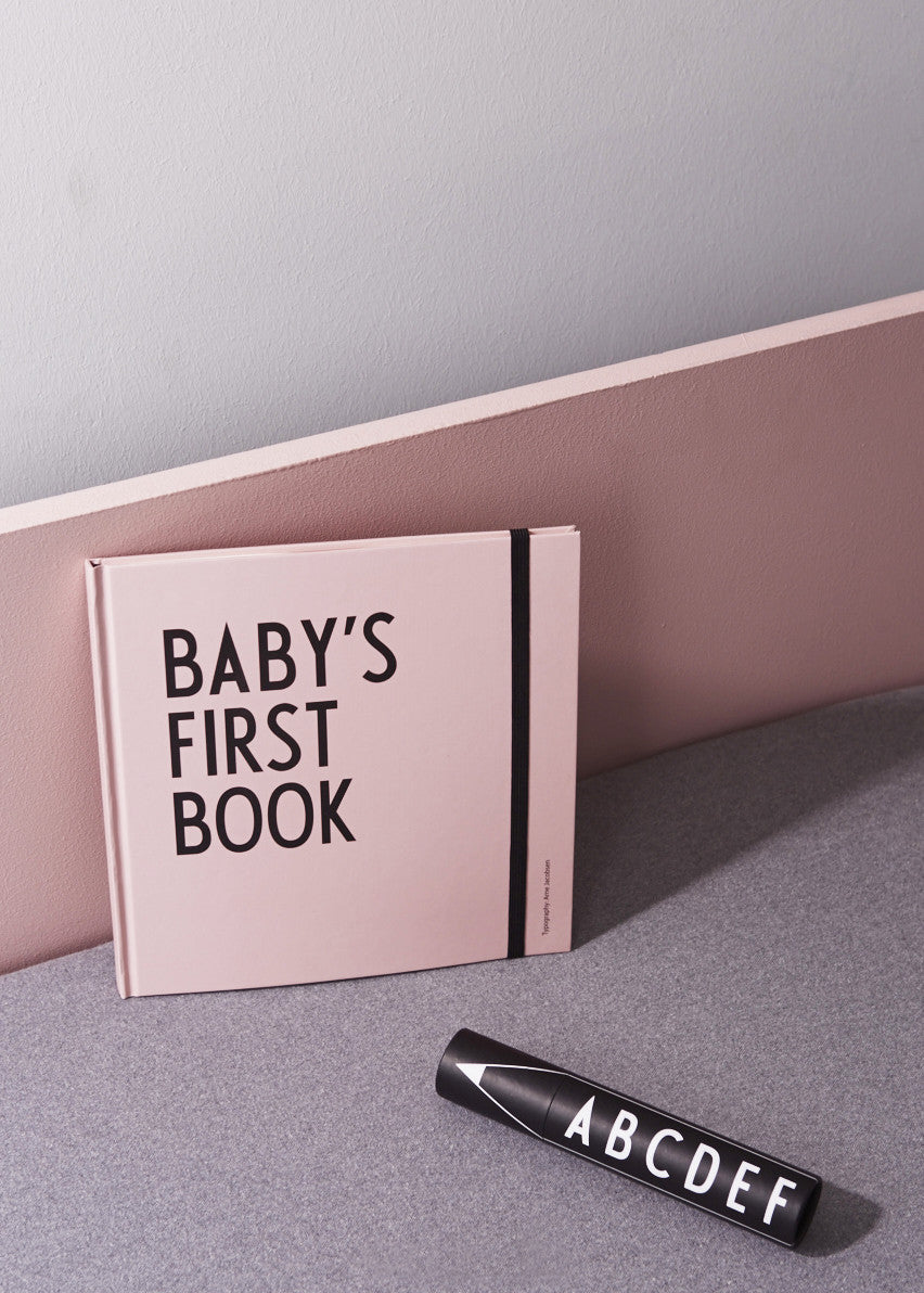 Baby's first book - Lyserød fra Design Letters