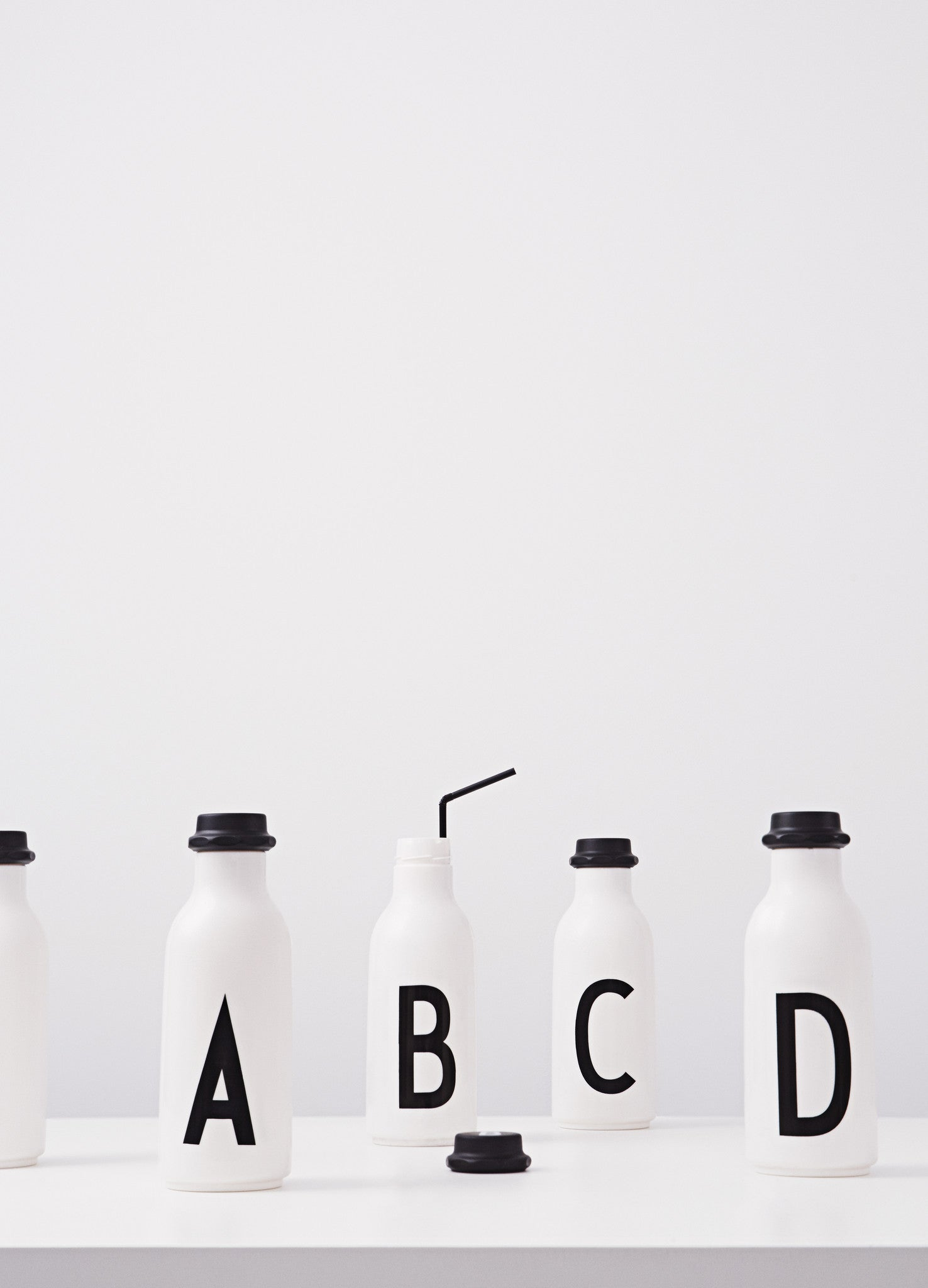 P - Drinking Bottle fra Design Letters