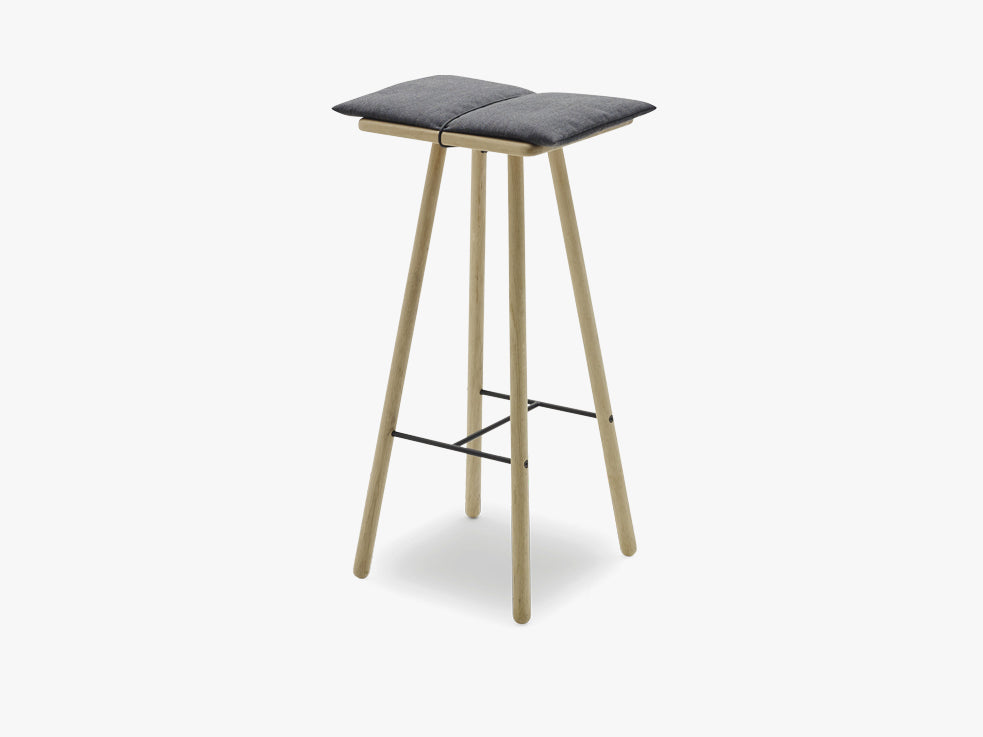 Georg Bar Stool High, Oak fra SKAGERAK