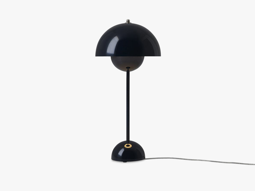 Flowerpot Table Lamp - VP3, Black Blue fra &tradition