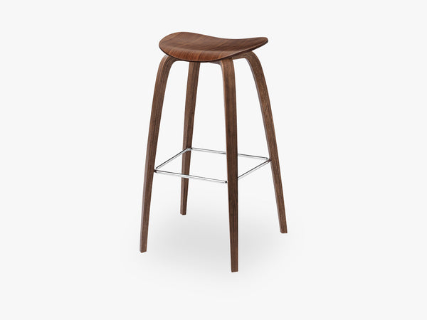 2D Bar Stool - Un-upholstered - 75 cm American Walnut base, American Walnut shell fra GUBI