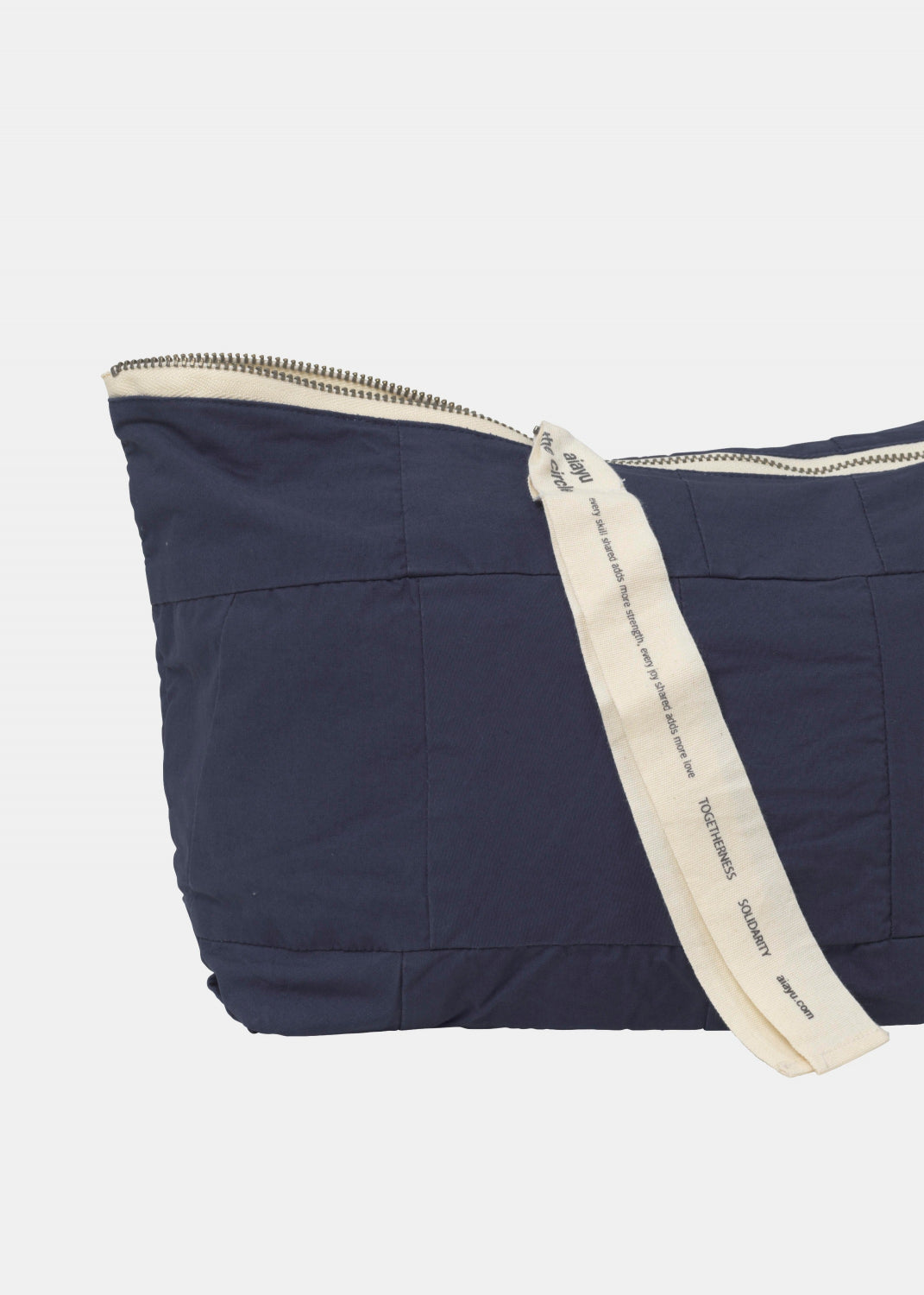 Circle Pouch Patchwork, Navy fra Aiayu