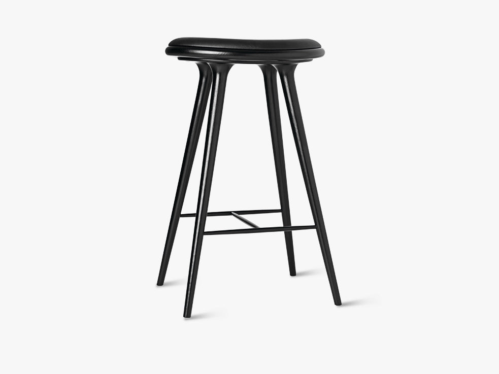 High Stool H74, Black Stained Oak fra Mater