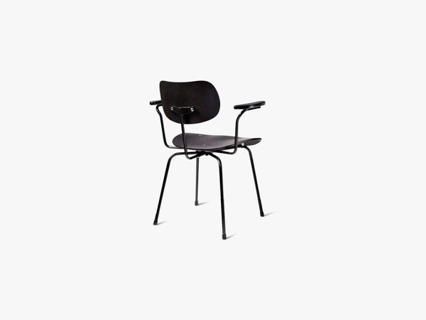 SE68 Armrest, Black Seat and back with Black base fra Egon Eiermann