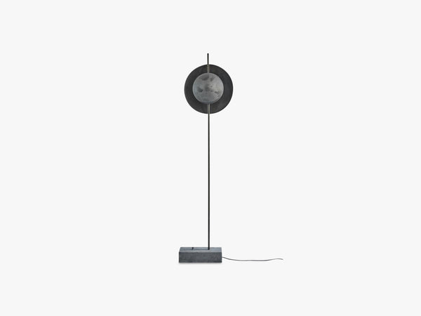 Dawn Floor Lamp, Oxidized fra 101 Copenhagen