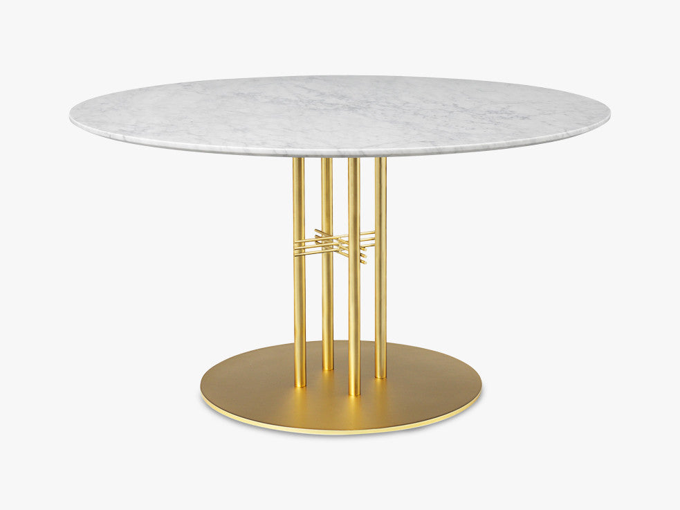 TS Column - Dining Table - Dia 130 Brass base, marble white top fra GUBI