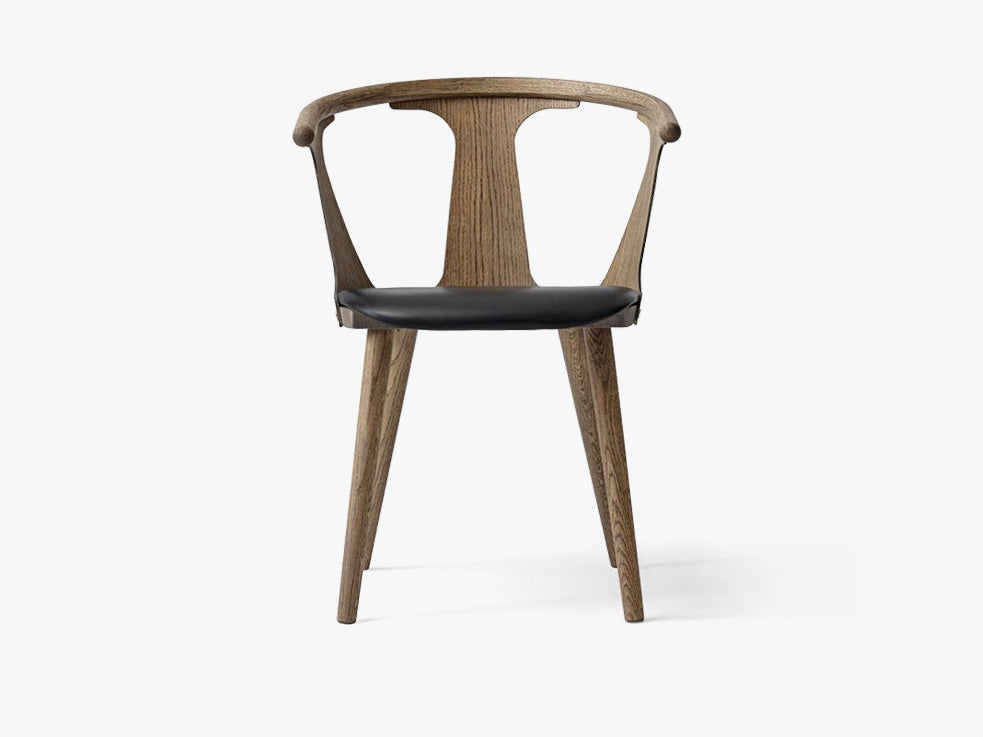 In Between Chair - SK2 - Smoked oiled oak w. black leather fra &tradition