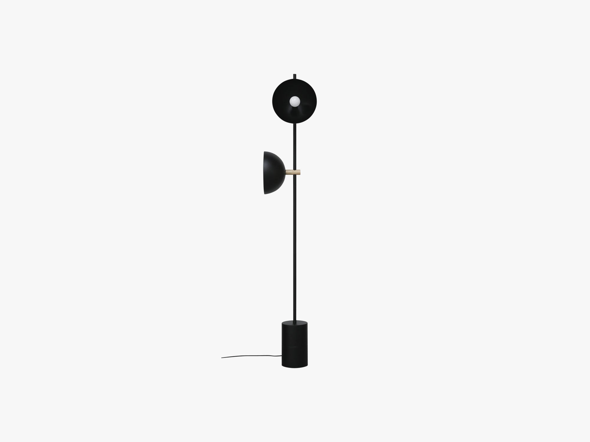 Studio Floor Lamp, Black/Brass fra Handvärk