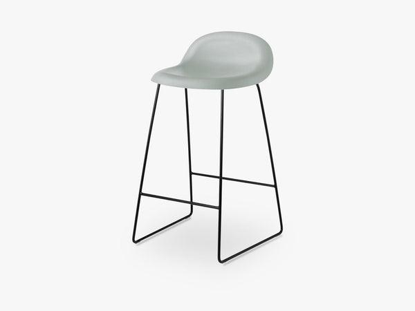3D Counter Stool - Un-upholstered - 65 cm Sledge Black base, Nightfall Blue shell fra GUBI