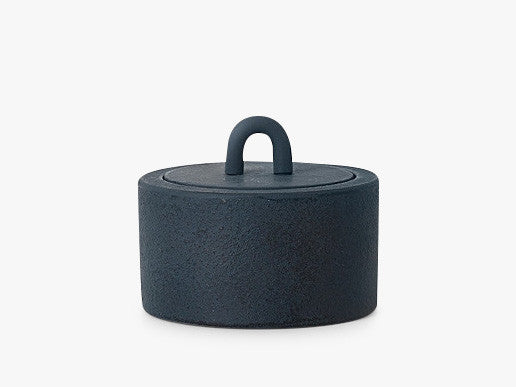 Buckle Jar - Dark Blue fra Ferm Living