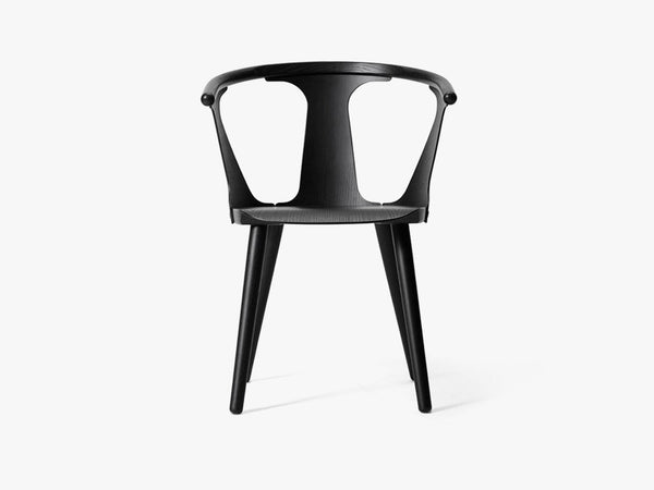 In Between Chair - SK1 - Black stained oak fra &tradition