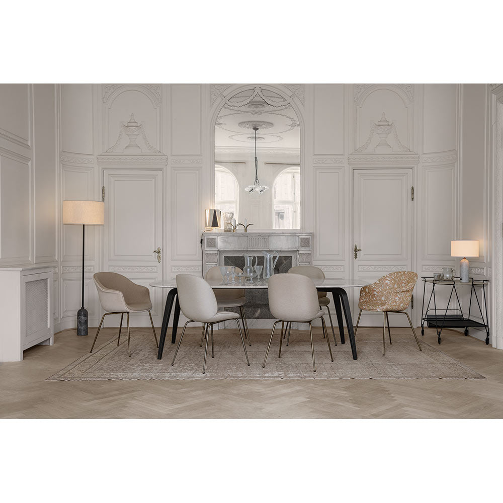 GUBI Dining Table - Eliptical - 120x230x72 cm, White Marble Top fra GUBI