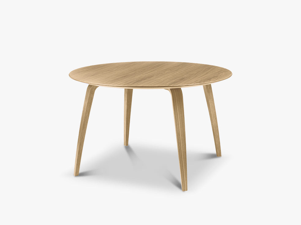 Komplot Dinning Table, Round, Oak fra GUBI