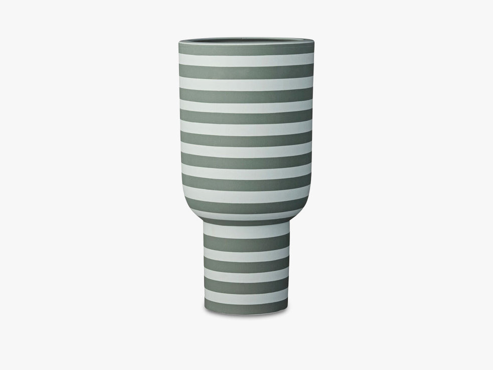 VARIA sculptural vase, dusty green/forest fra AYTM