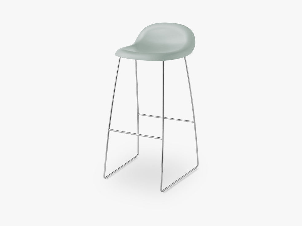 3D Bar Stool - Un-upholstered - 75 cm Sledge Crome base, Nightfall Blue shell fra GUBI