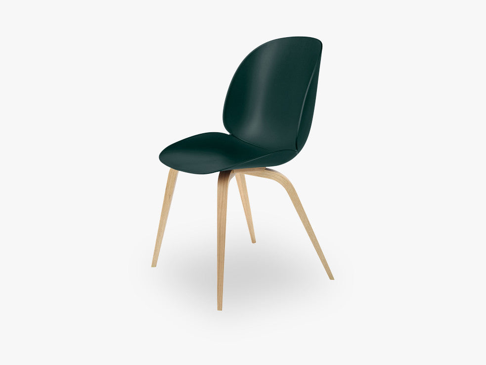 Beetle Dining Chair - Un-upholstered Oak base, Green shell fra GUBI