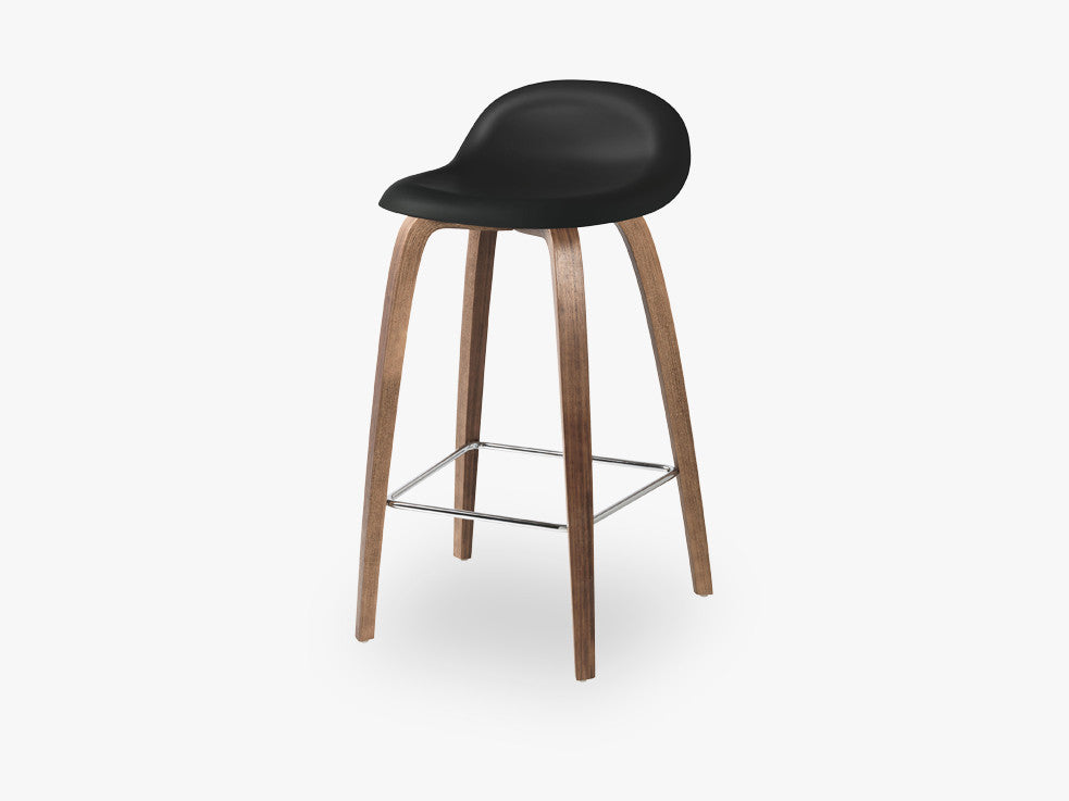 3D Counter Stool - Un-upholstered - 65 cm American Walnut base, Midnight Black shell fra GUBI