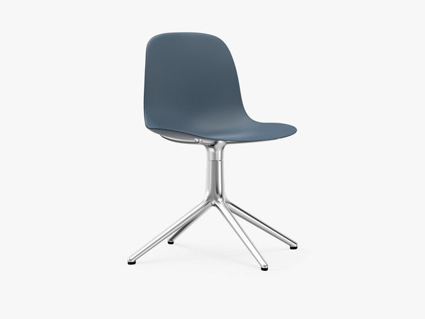Form Swivel, Blå, Alu fra Normann Copenhagen