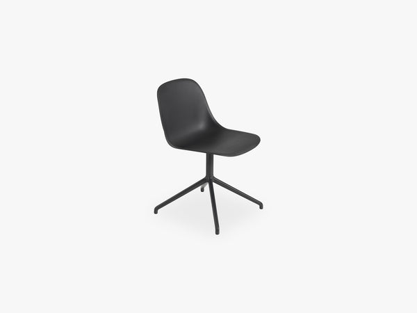Fiber Side Chair - Swivel WO Return - Normal Shell, Black/Black fra Muuto