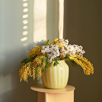 Juice Vase Wide, Yellow fra HAY