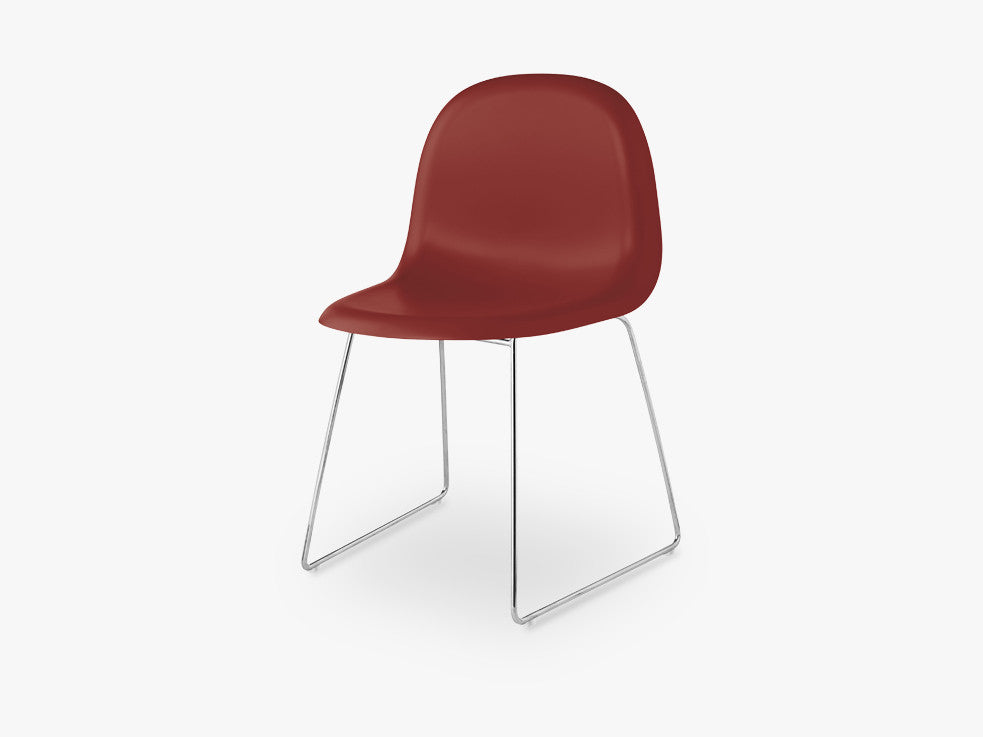 3D Dining Chair - Un-upholstered - Stackable Sledge Crome base, Shy Cherry shell fra GUBI